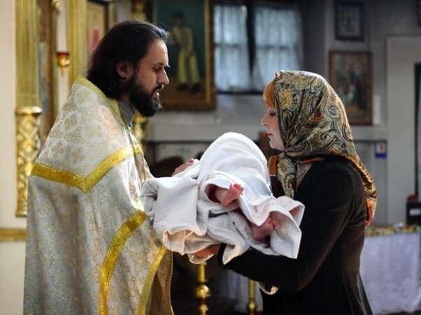 Крестим ребеночка: как правильно провести обряд?